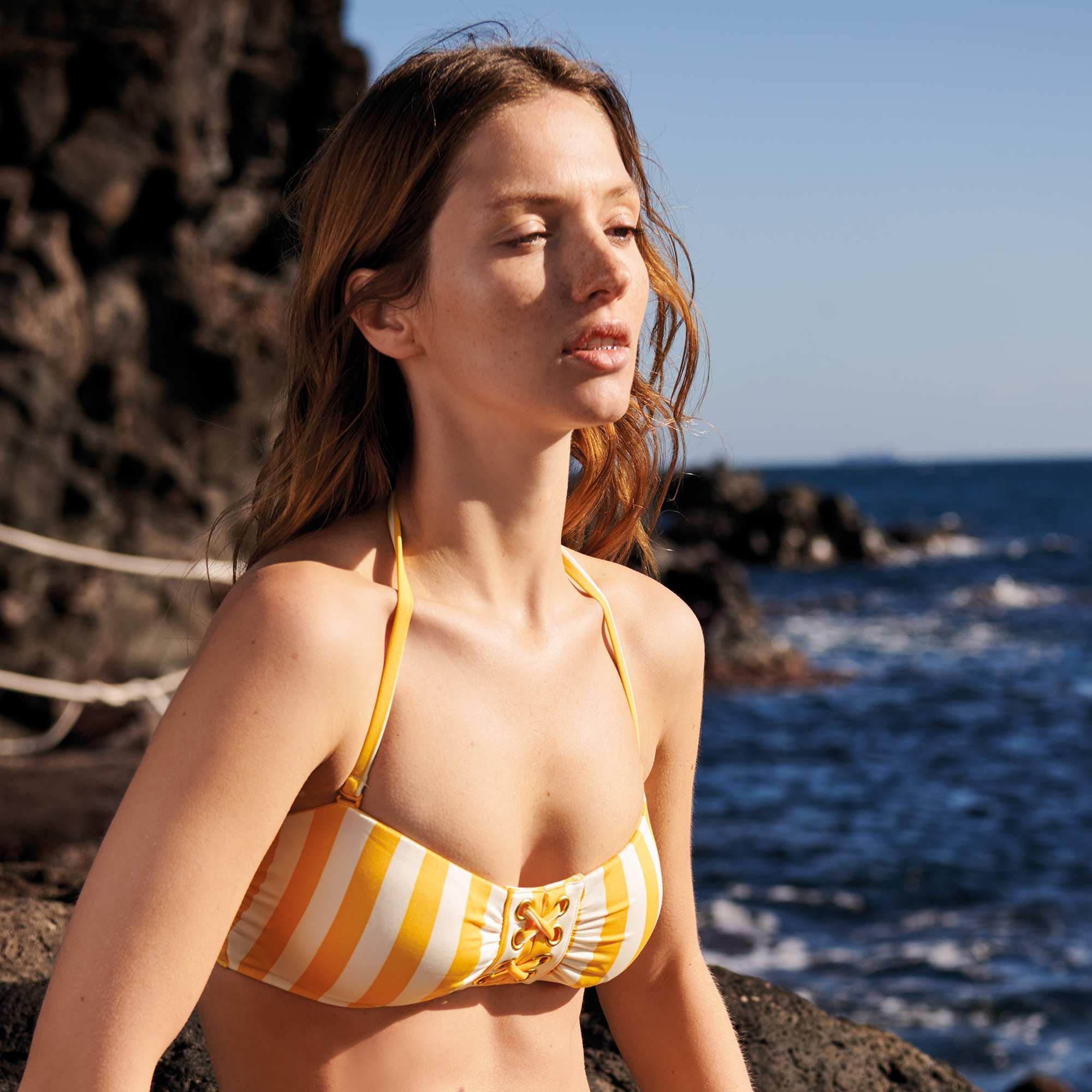 8081f91d01 Haut de maillot de bain laçage fantaisie Femme - jaune - Kiabi - 10,80€