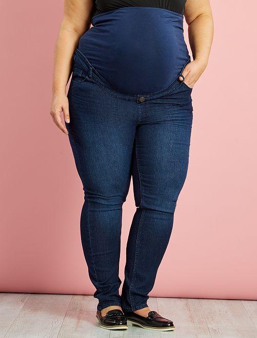 Jean de maternité grande taille slim fit                             brut