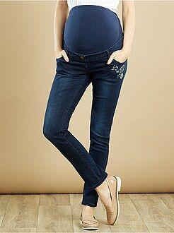 Maternité Jean slim grossesse à broderies