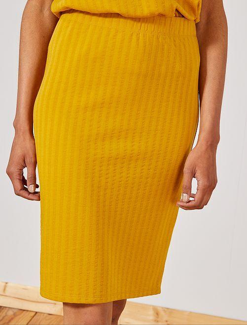 Jupe tube en maille côtelée 'JDY'                                         jaune