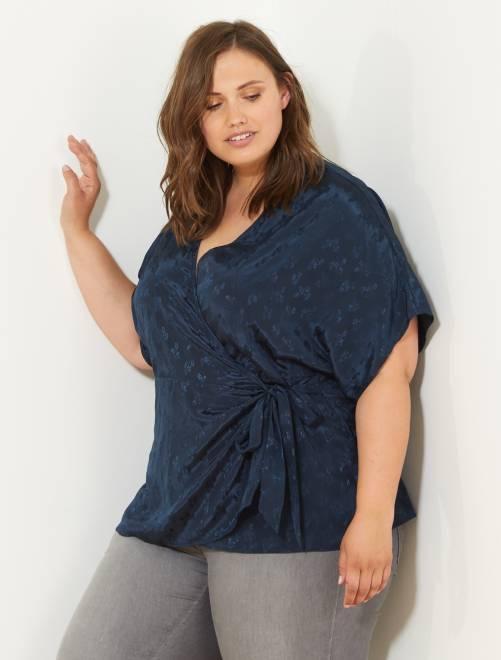 Kimono fluide effet satiné bleu marine Grande taille femme
