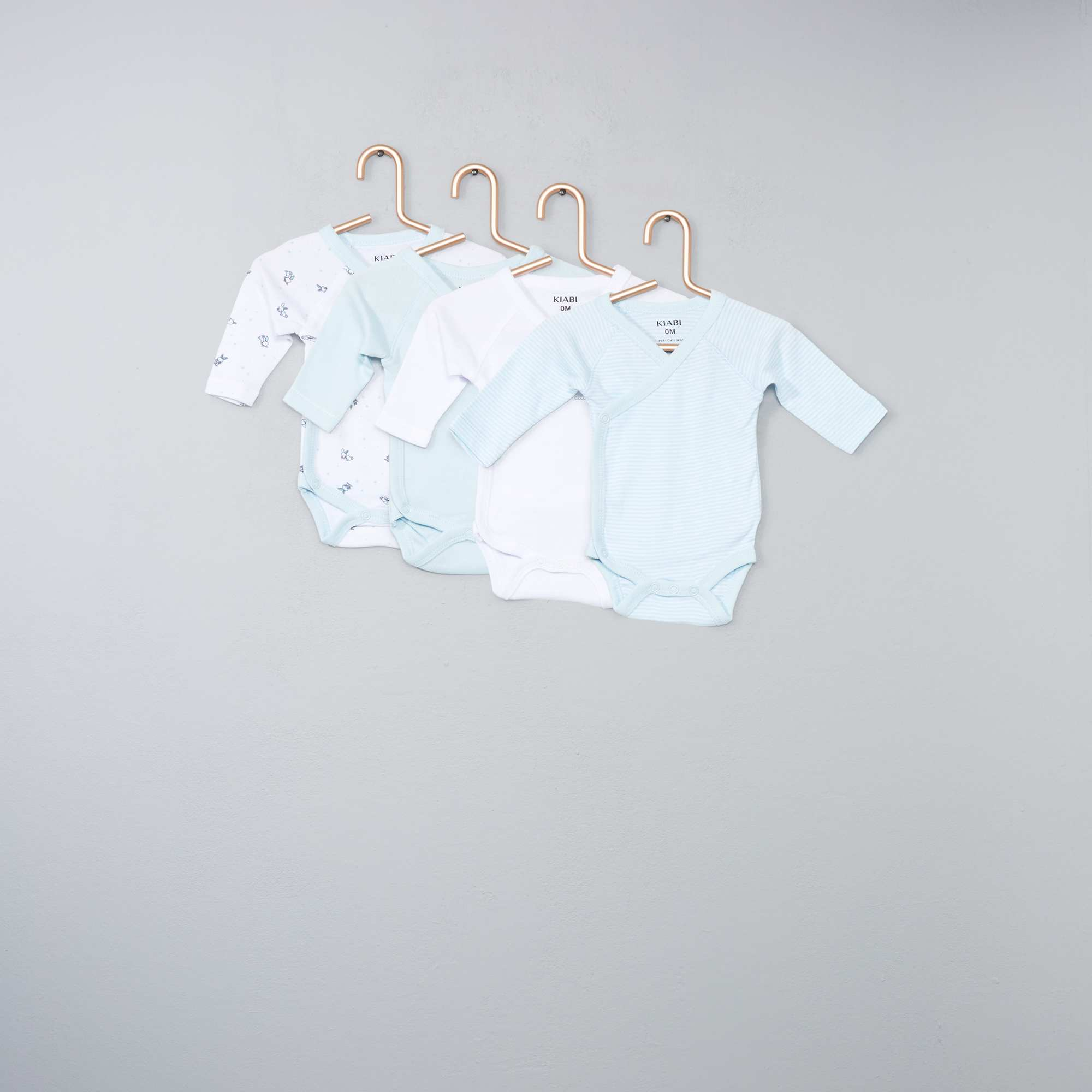 Lot de 4 bodies pur coton Bébé garçon - bleu clair - Kiabi - 12 89f75615edd