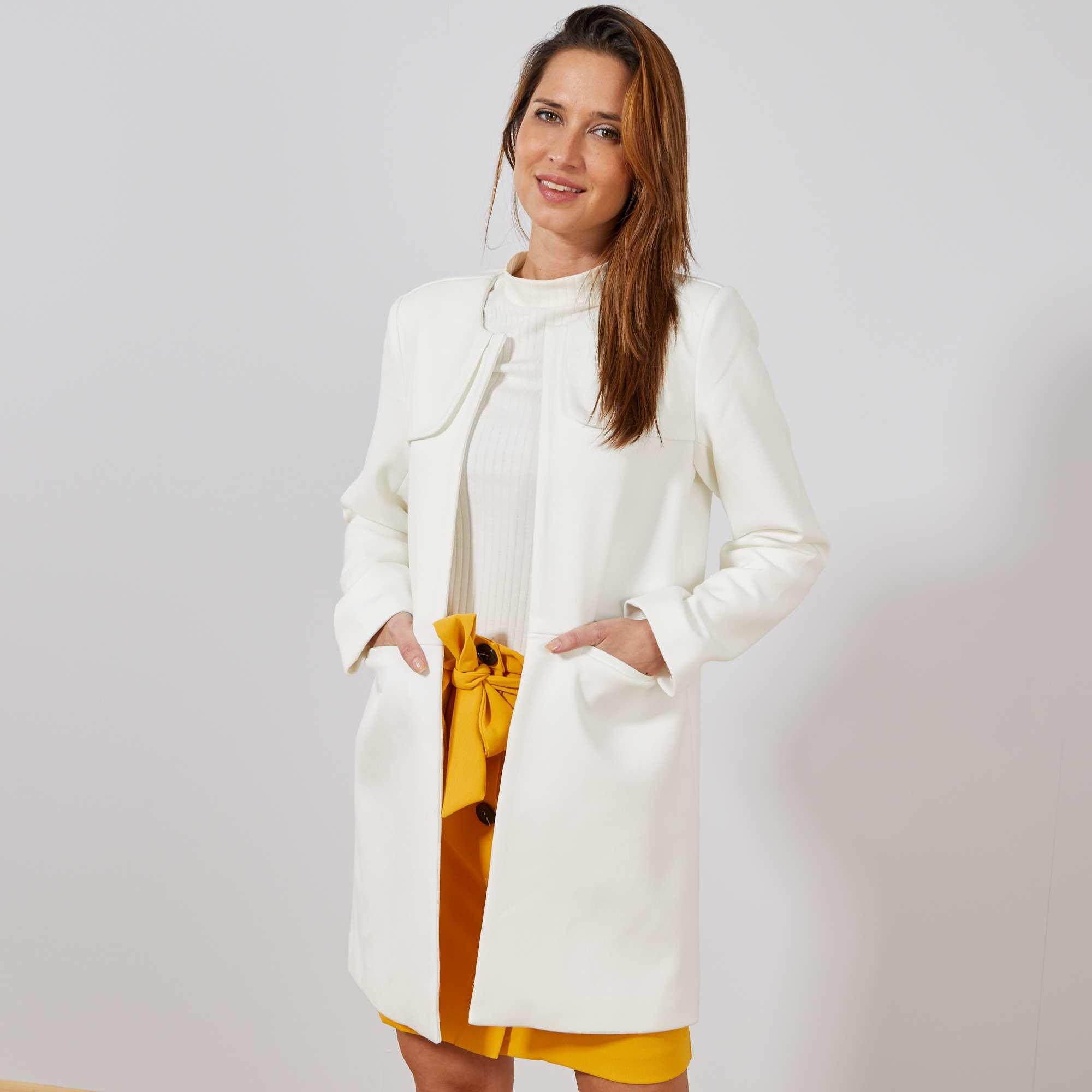 manteau habill col rond femme blanc kiabi 40 00. Black Bedroom Furniture Sets. Home Design Ideas
