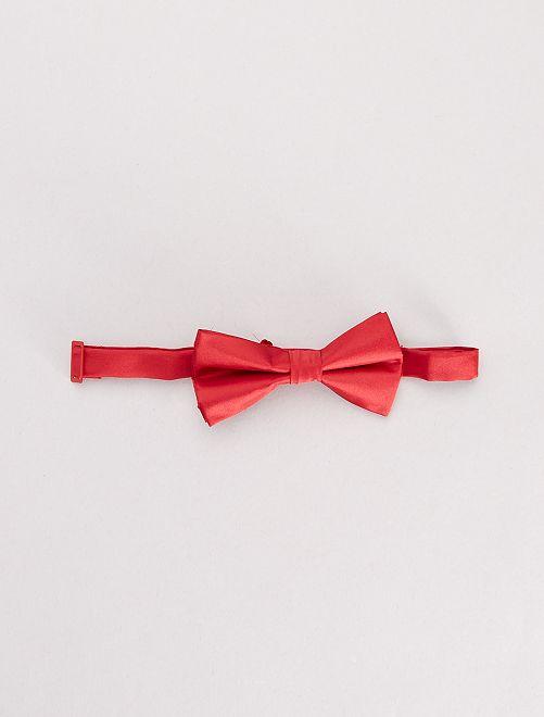Nœud papillon rouge                             rouge
