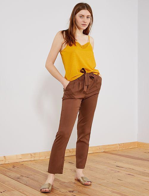 Pantalon à pinces en lyocell                                                                                         marron glacé Femme