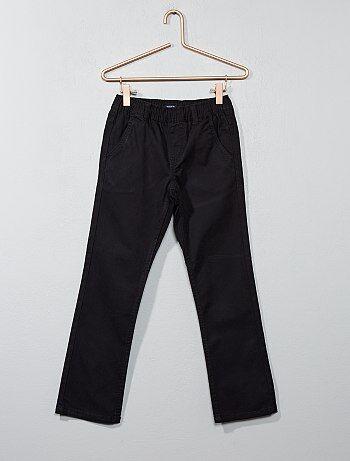 pantalon chino en canvas gar on noir kiabi 6 00. Black Bedroom Furniture Sets. Home Design Ideas
