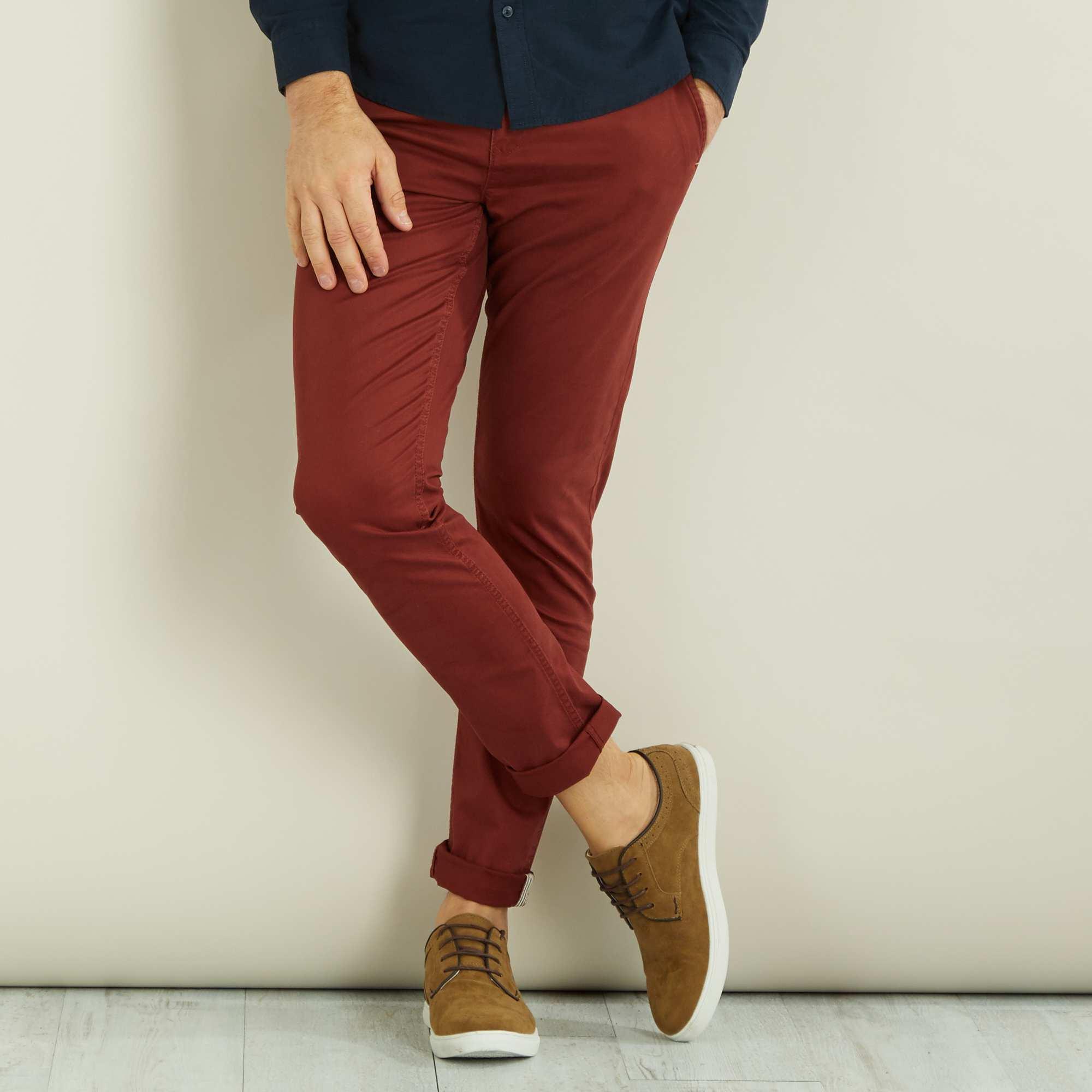 Couleur : rouge brique, , ,, - Taille : 46, , ,,Toujours très trendy le pantalon chino, ici dans une version coupée très près du corps