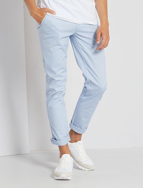 Pantalon chino slim                                                                                                                                                                                                                                                                                                                                                                                                                             bleu clair