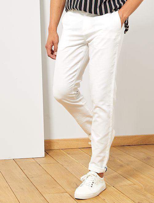 pantalon chino slim coton et lin homme blanc kiabi. Black Bedroom Furniture Sets. Home Design Ideas
