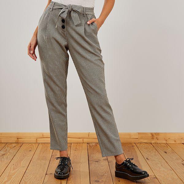 Pantalon coupe carotte Femme - noir pied de puce - Kiabi - 15,00€