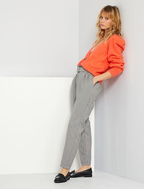 Pantalon coupe carotte pied de puce                             noir