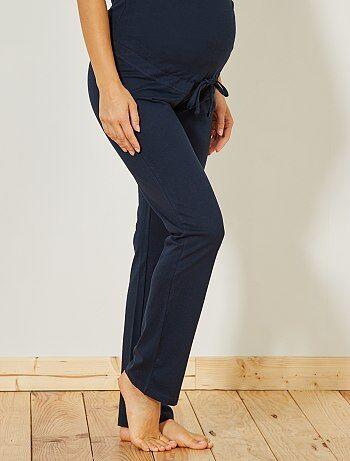 Le pantalon en jersey ultra confortable ! - Pantalon jersey - Ceinture jersey - Lien coulissant - Longueur entrejambe : 83 cm - Largeur bas de jambe : 19 cm. Notre mannequin porte une taille 34/36 et mesure 1m77.