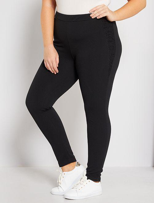 Pantalon en crêpe avec dentelle                              noir