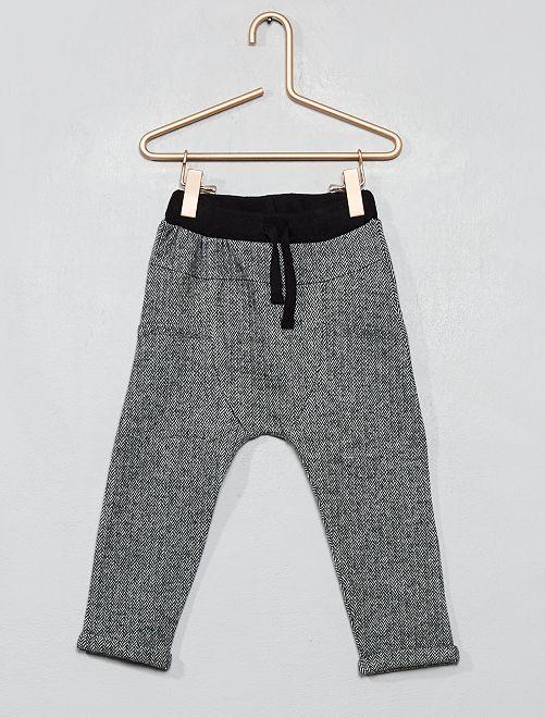 Pantalon en maille à chevrons                             gris chevrons