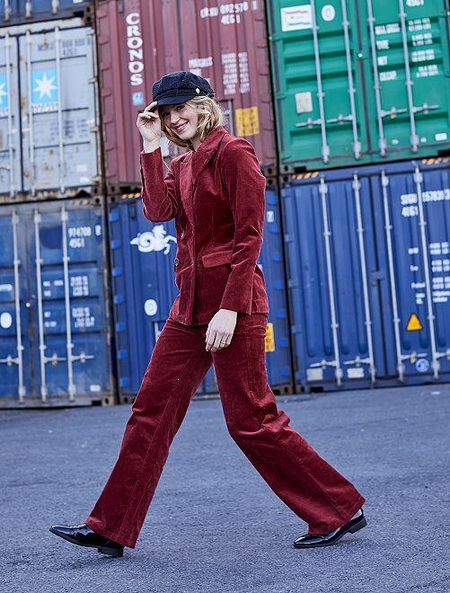 Pantalon évasé en velours côtelé                             rouge