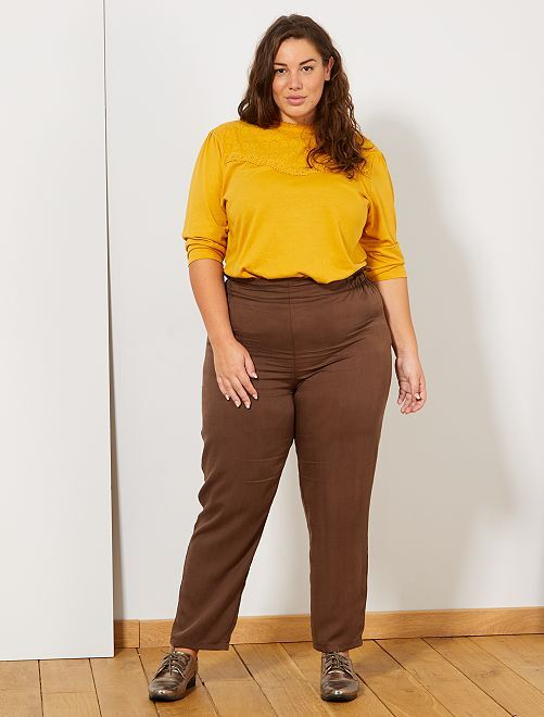 Pantalon fluide avec volants                             marron