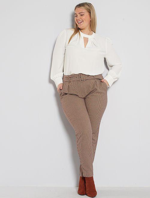 Pantalon imprimé avec ceinture                                         pied de puce