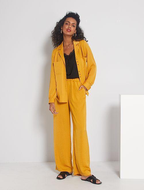 Pantalon satiné                     jaune ocre