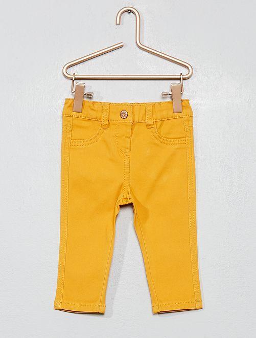 Pantalon slim en coton stretch                                                     ocre