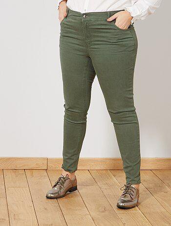 Pantalon slim en gabardine stretch