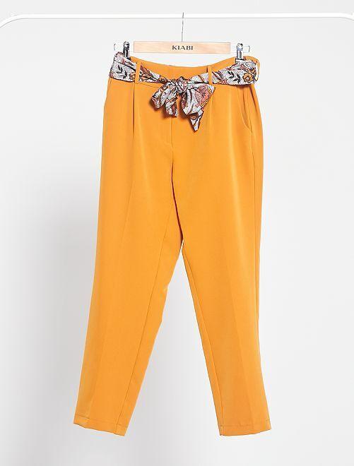 Pantalon slim fluide avec ceinture foulard                             ocre