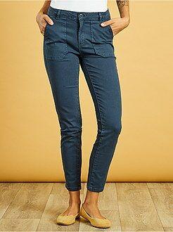 Femme du 34 au 48 Pantalon slim poches cargo toucher doux