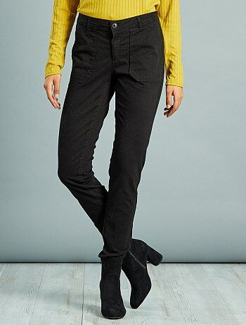Pantalon slim poches cargo toucher doux