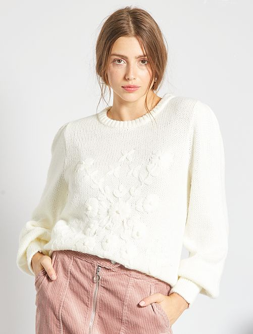 Pull en maille à broderies                                                                 blanc