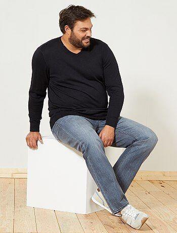 Mode grande taille: les mannequins hommes Pull-leger-col-v-noir-grande-taille-homme-ft770_4_fr1