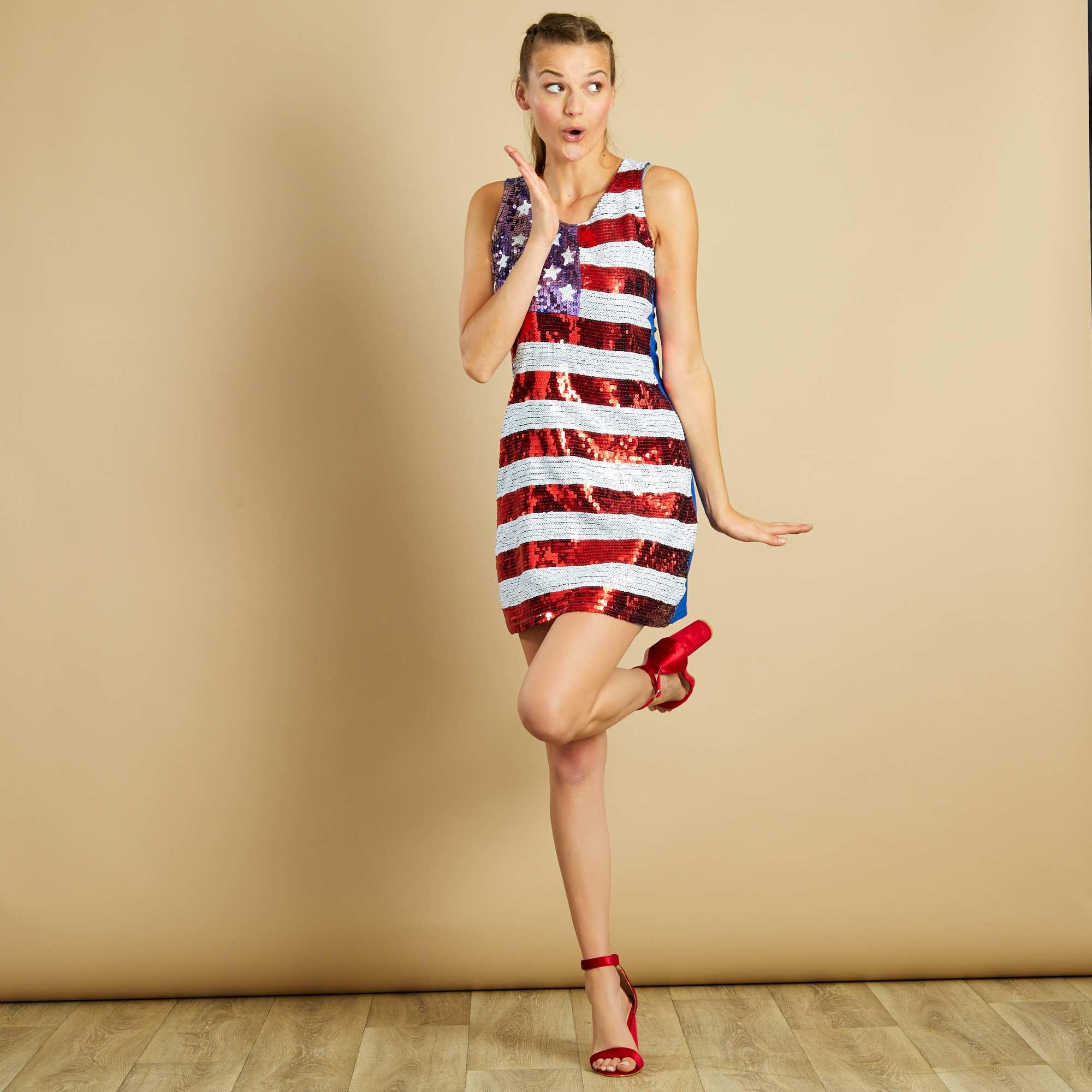 Couleur : rouge/blanc, , ,, - Taille : M, , ,,Style américain à sequins. - Robe à sequins - Motif drapeau USA - Doublé devant