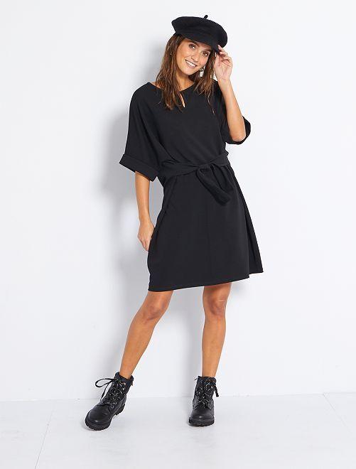 Robe ample ceinturée                             noir