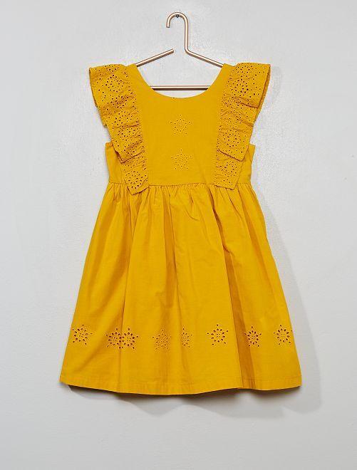 Robe broderie anglaise                     jaune bronze