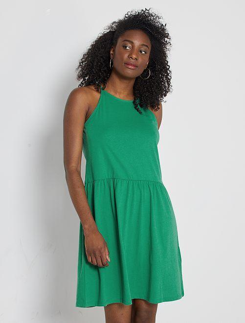 Robe courte à fines bretelles                                                                                                     vert pin