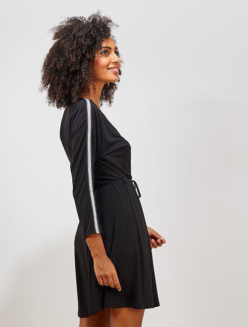 Robe courte avec bande pailletée                                         noir/argent
