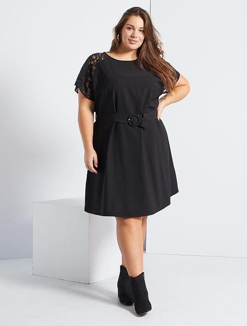 Robe courte ceinturée                             noir