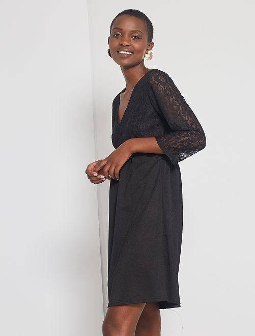 Robe courte en dentelle                             noir