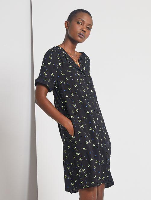 Robe courte forme chemise                                                     noir fleuri