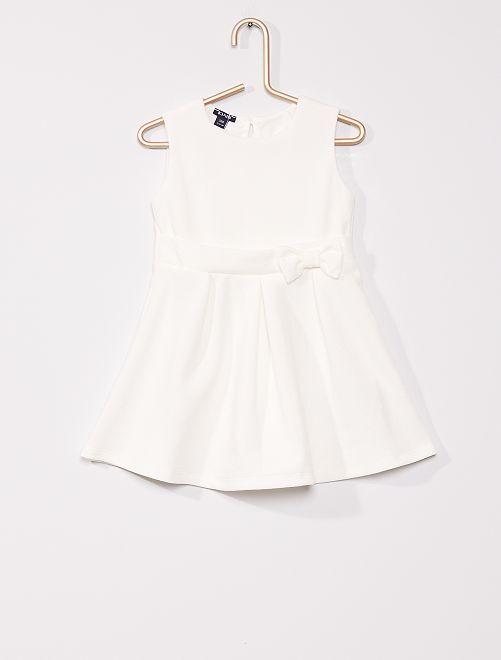 Robe de cérémonie                             blanc écru