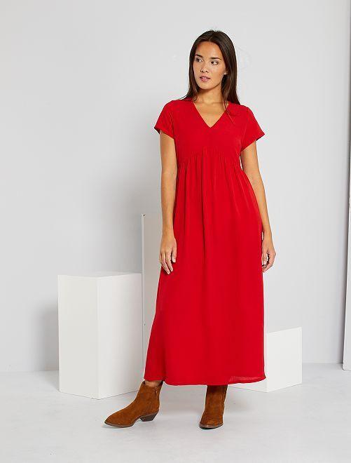 Robe découpe sous poitrine                                         rouge