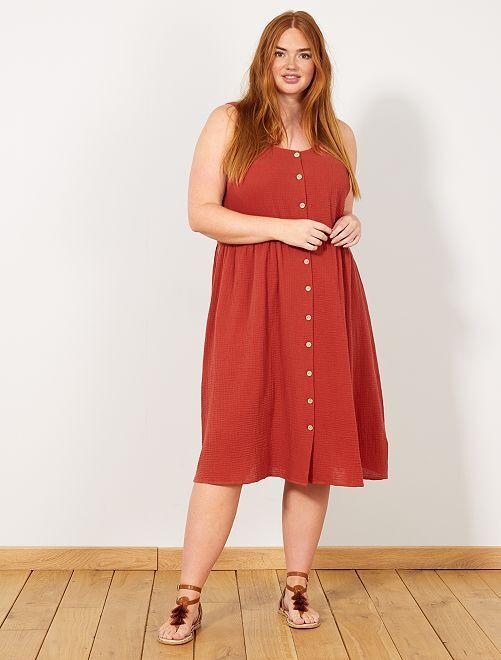 f5416fad2e51 Robe en coton gaufré Grande taille femme - rouge ocre - Kiabi - 20