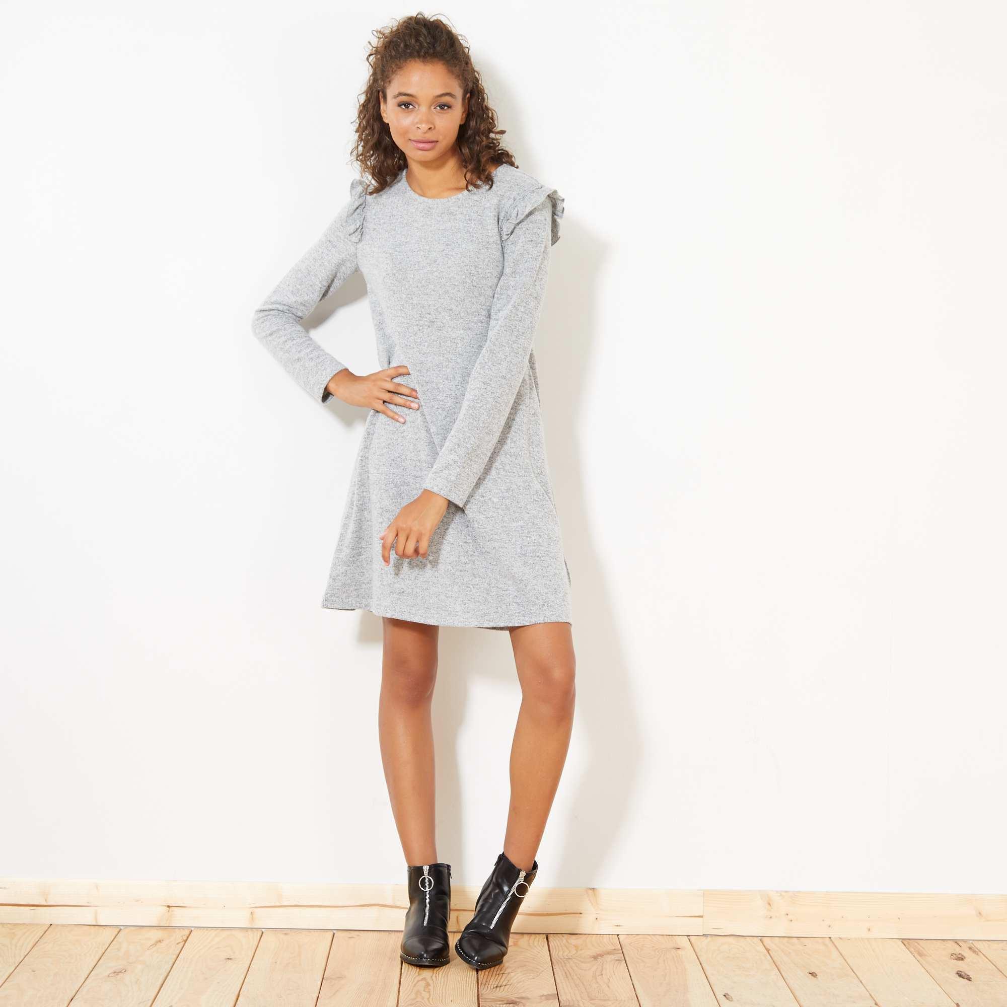 Couleur : gris chiné clair, , ,, - Taille : S, XL, ,,La robe pull tricote notre style et les volants sont intensément tendances ! - Robe