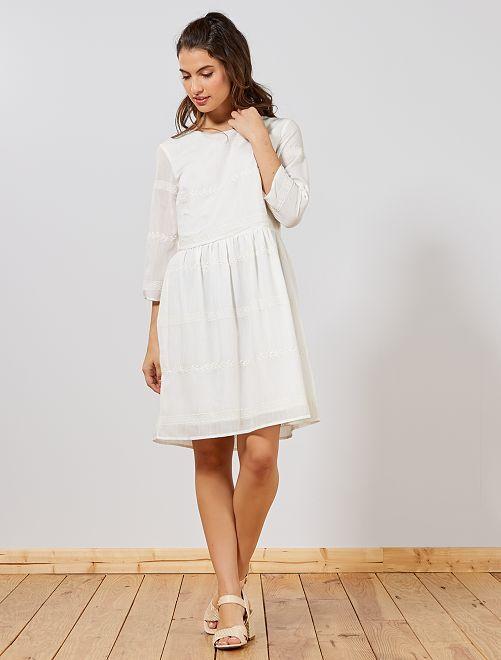 8ab8b3321d690 Robe en voile brodé Femme - blanc - Kiabi - 25