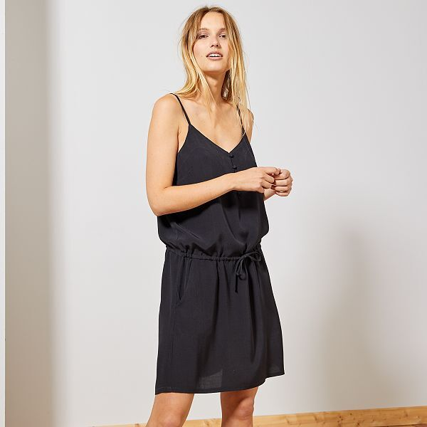 Robe Fluide A Fines Bretelles Reglables Femme Noir Kiabi 15 00