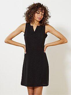 Robe noire - Robe fluide col v - Kiabi