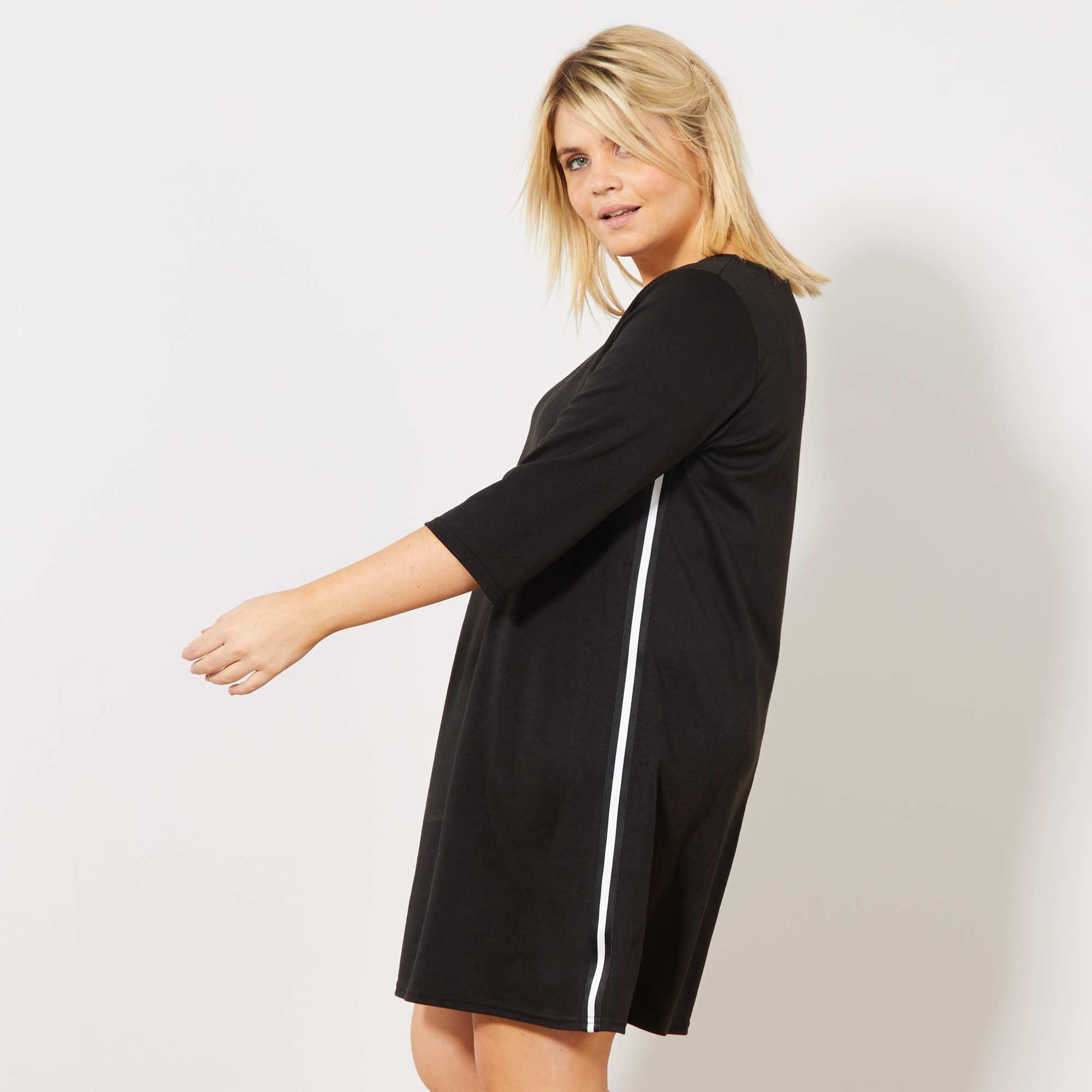 e5447b4dccc Robe noire avec bandes sur les côtés noir blanc Grande taille femme.  Loading zoom