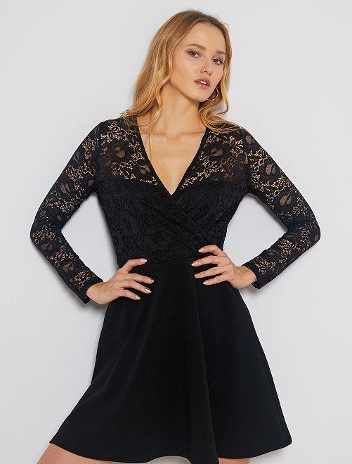 Robe noire en dentelle                             noir