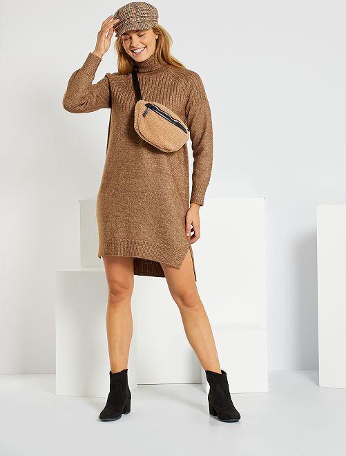 Robe pull avec col roulé                             marron