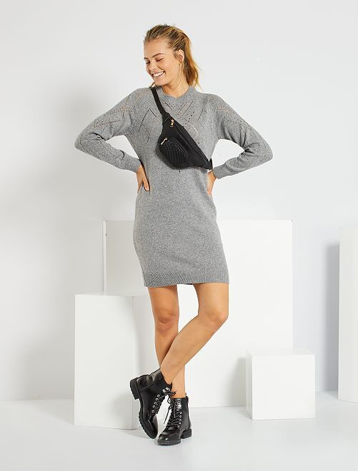 Robe pull en maille ajourée                             gris
