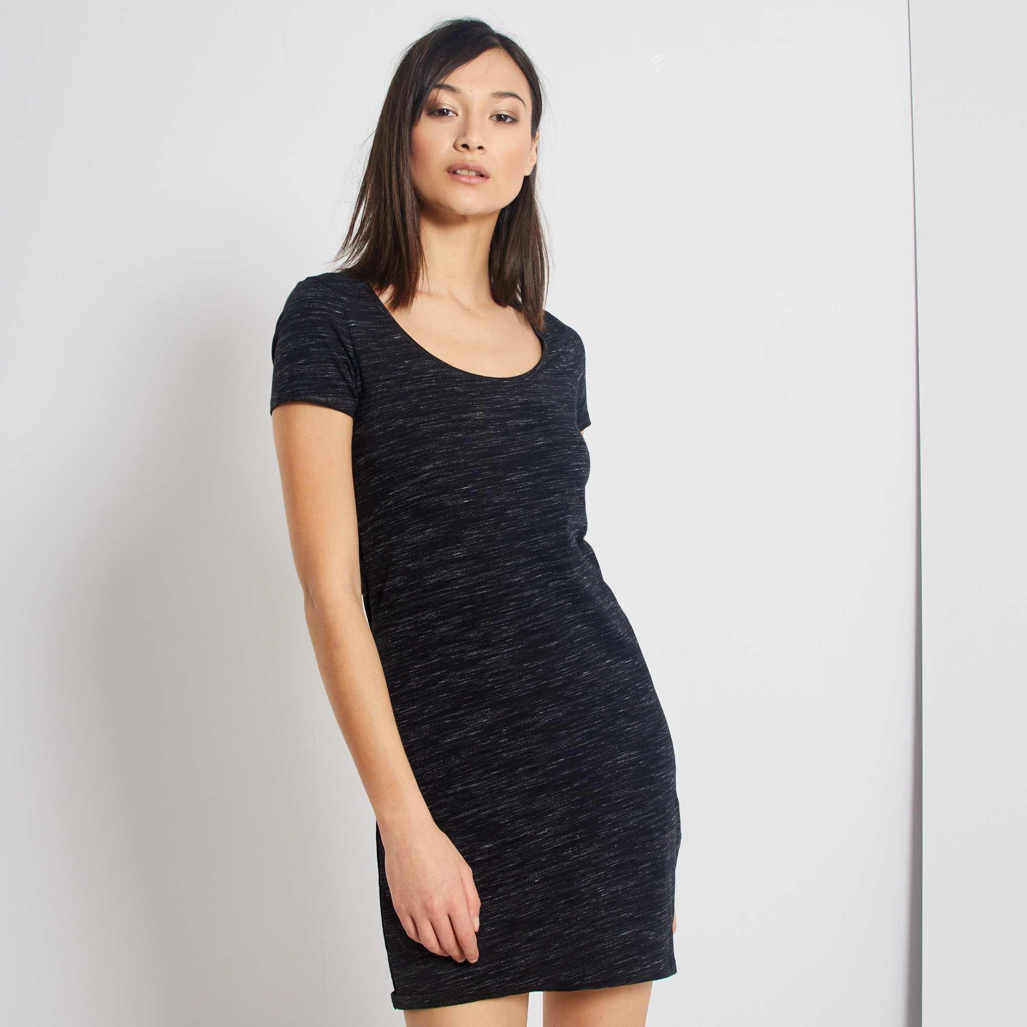 Couleur : noir, gris anthracite, ,, - Taille : M, S, L,XXL,XLLa petite robe dont on ne peut pas se séparer dès les beaux jours. - Robe courte -