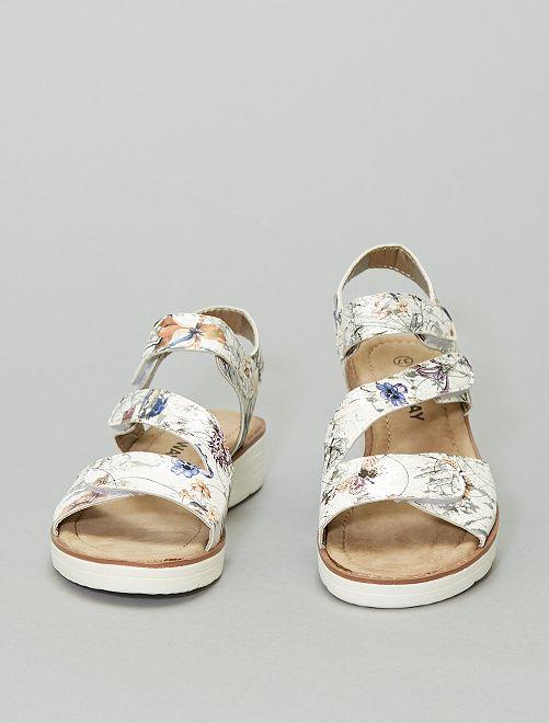 Sandales à fleurs                             blanc/argent